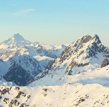 Piękny krajobraz gór zimą