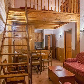 les_balcons_de_val_thorens_appartement_323_type_6_8_pers_mezzanine_salon_img_8511_acr8_web_2048